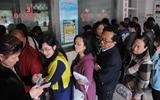 聊城公交水城通卡今日起正式发行 市民排队换卡