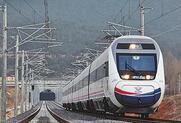 临沂车务段自16日零时起实行新列车运行图