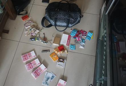 槐荫警方抓获撬车锁拎包盗窃惯偷 包内除了钱还有…