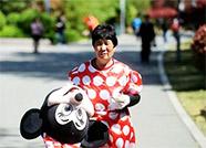 德州婆婆扮米老鼠救儿媳续:宁津政府代表到医院探望