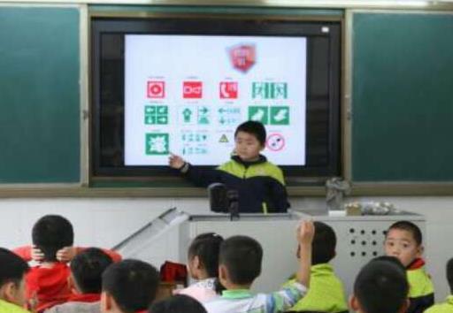"""临沂消防进学校 师生齐学""""防火逃生术""""(图)"""