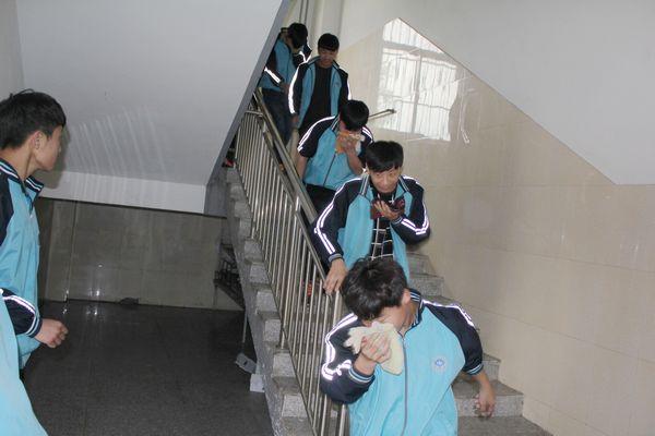 聊城技师学院举办应急疏散演练活动