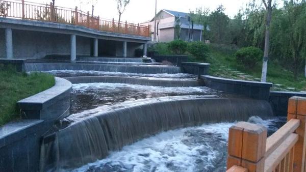 济南:地表水换地下水再造凤凰湖美景 日调水十万方