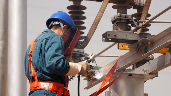齐鲁工匠李强:爱发明的电修工让工作变得简单有趣