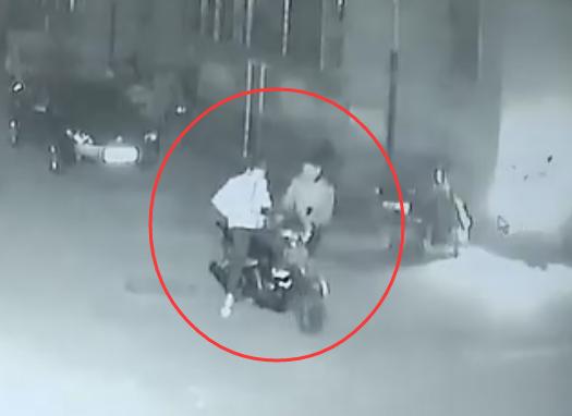 """点赞!淄博保安勇斗偷车贼被撞昏迷 醒来自豪称""""不后悔"""""""