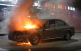 淄博一轿车行驶中自燃 车上无灭火器车主着了急