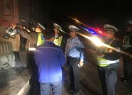 """滨州经开区交警启动""""飓风""""行动 一夜查扣12辆超载货车"""
