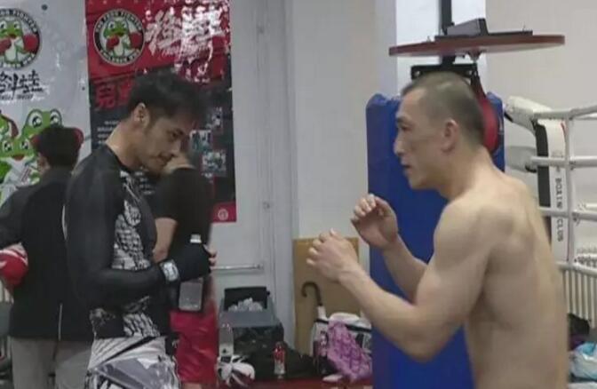 独家专访格斗狂人徐晓冬:现在的生活就是打人!挨打!