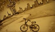 摩拜单车济南100天沙画表演 让人想起了诗和远方