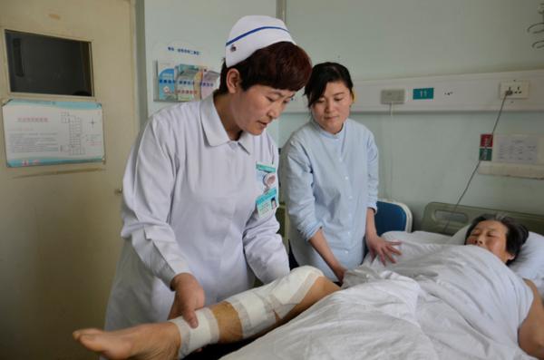 临沂市人民医院创伤外科二病区护士长訾金花:用爱为患者抚平创伤