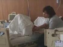 济南被撞女孩仍未度过危险期,还在发烧或引起伤口感染
