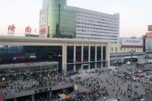 济南火车站近期客流较大 乘车需提前做好准备