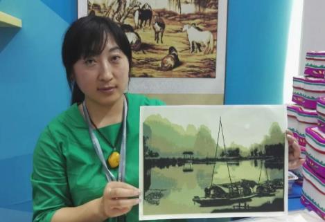 文博拾趣:威海剪纸大师现场教你做多层立体剪纸画丨视频
