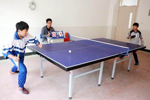 文登区教育局举办第一届乡村学校少年宫乒乓球比赛