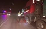 聊城高速交警开展夜查执法 集中查处大货车超限超载