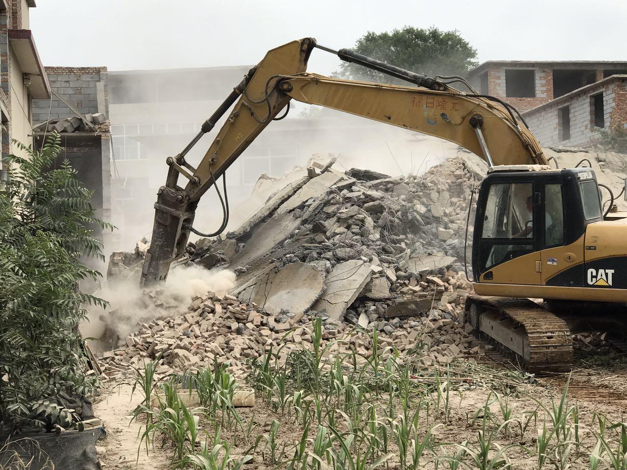 4层高自建房轰然倒塌!济南仲宫集中拆除高速沿线违建