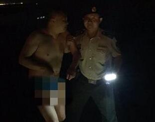 男子日照旅游半夜醉酒后想要洗海澡 家人吓得报警