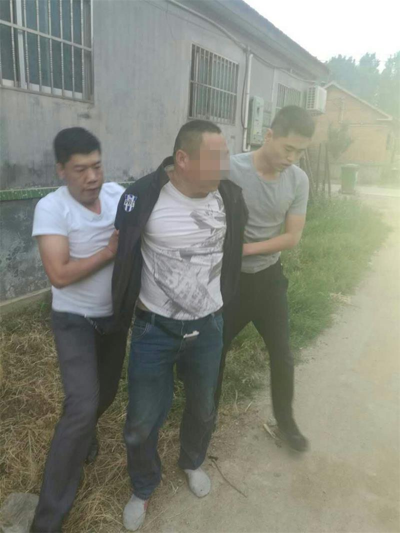 安丘一男子伙同他人偷盗河砂八千余立方被抓获