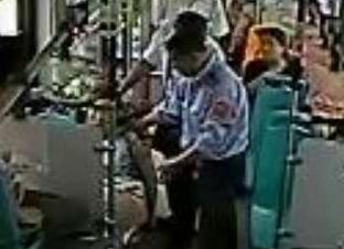 暖心!枣庄一女乘客公交上突然晕厥 全车人员爱心大救助