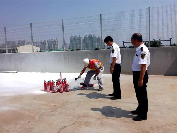 济南检验检疫局监督销毁一批无CCC认证进口灭火器