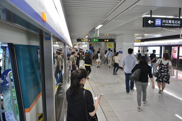 青岛地铁3号线全线开通半年:列车正点率99.97%