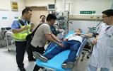 警车开道!聊城高速交警两小时内连续救助两名群众