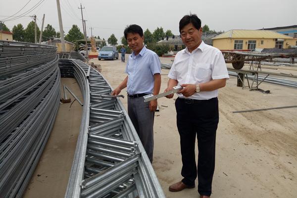 平度农民兄弟研制出新型大棚 产品远销15个省市