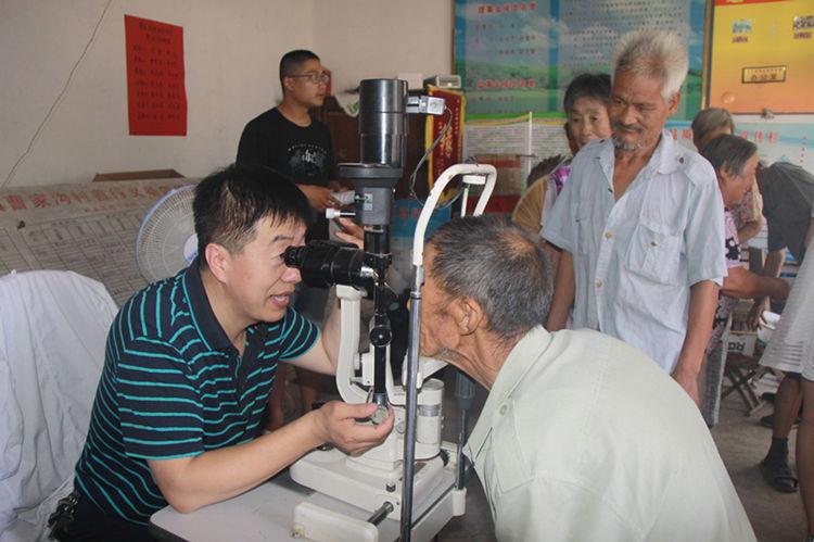 青州市人民医院医护人员走进大山深处开展义诊
