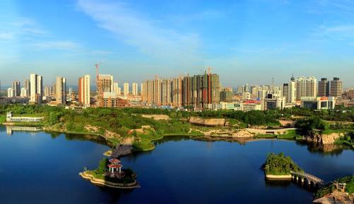 刘星泰:坚决打赢创建全国文明城市决胜战