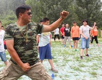 """日照市中小学生""""超体重健康""""夏令营在黑虎山开营"""