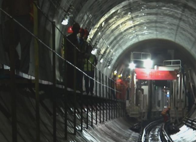 独家|济南轨道交通R1线成功下穿京沪高铁