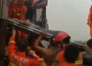 日兰高速济宁段两货车追尾 司机被困上演生死营救