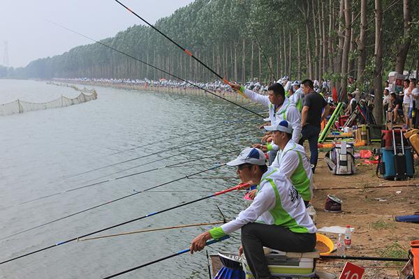 2017第四届中国·临沂休闲垂钓大赛举行 1020名钓手参赛