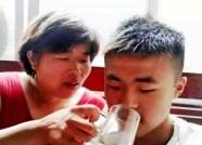 追踪丨潍坊慈母欲卖器官救尿毒症儿子 律师:合情不合法