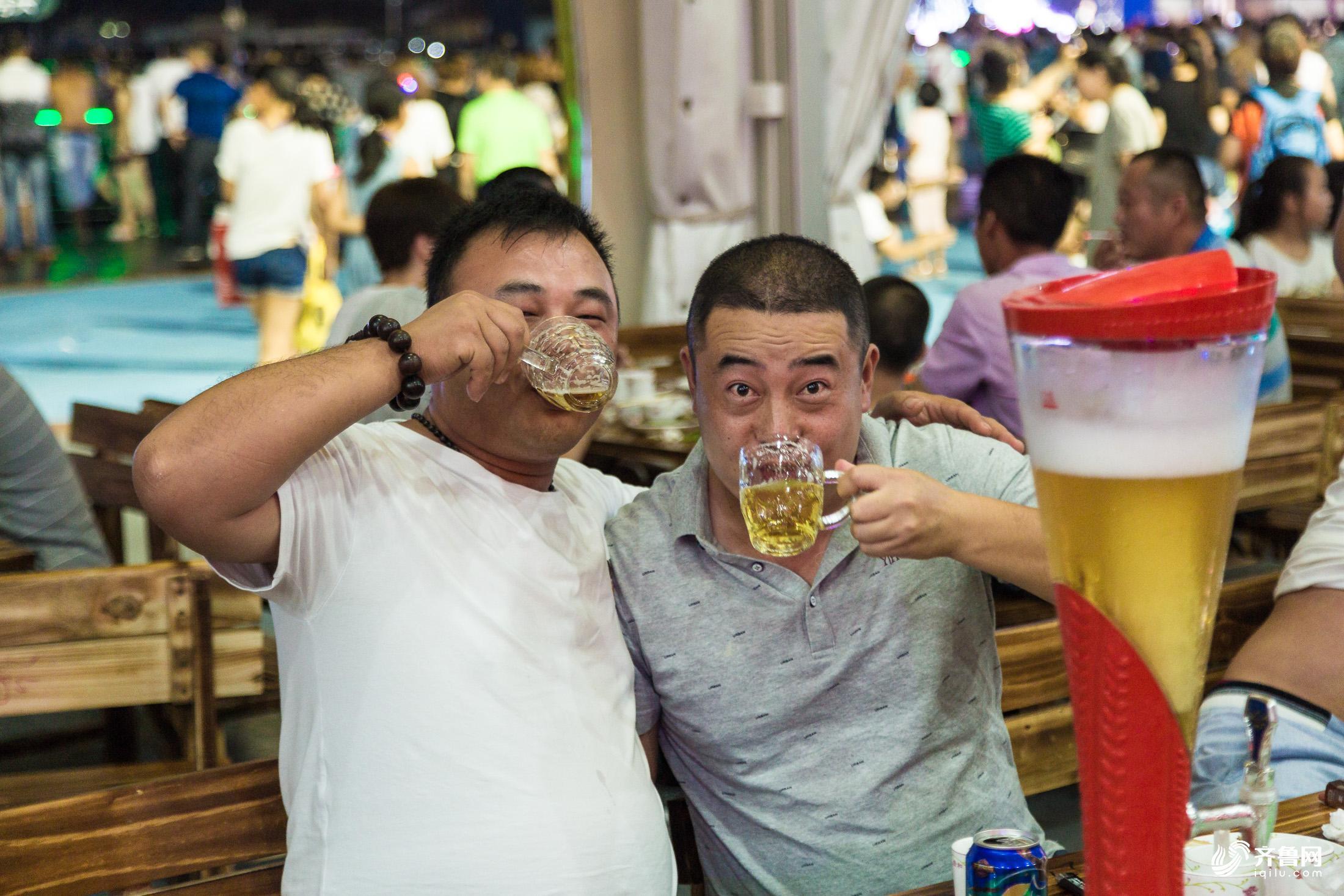 哈啤酒 品海鲜 赏海景~青岛西海岸啤酒海鲜美食节让人