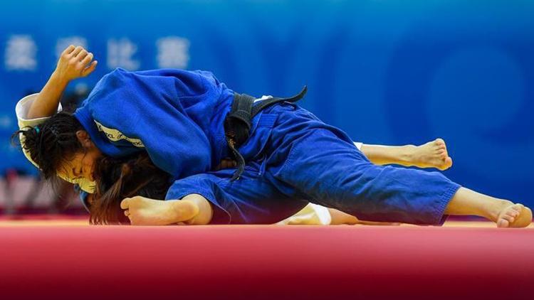 全运会滨州首金!冯雪梅女子柔道57公斤级夺冠