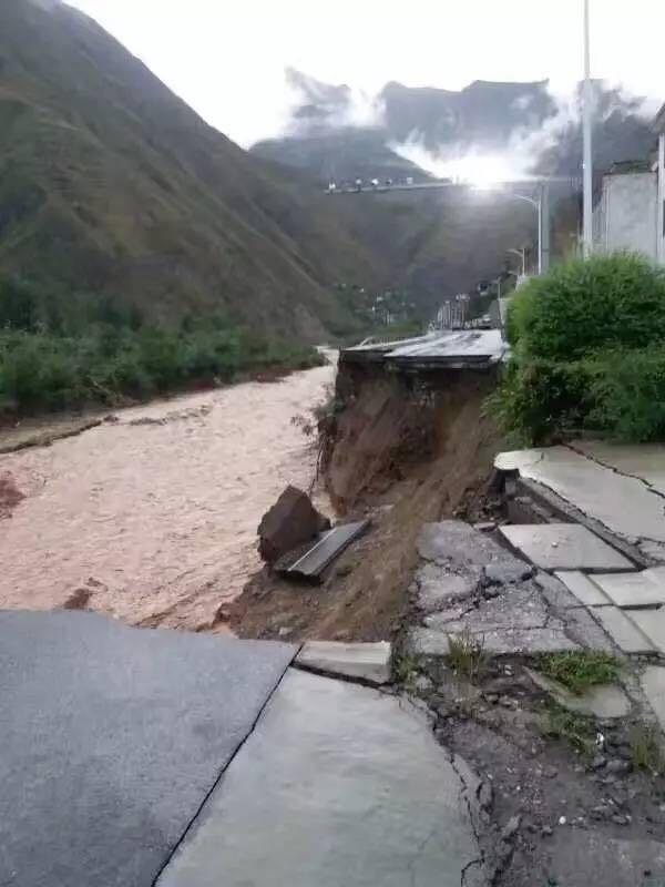 青岛市向陇南市部分受灾地区实施救灾援助