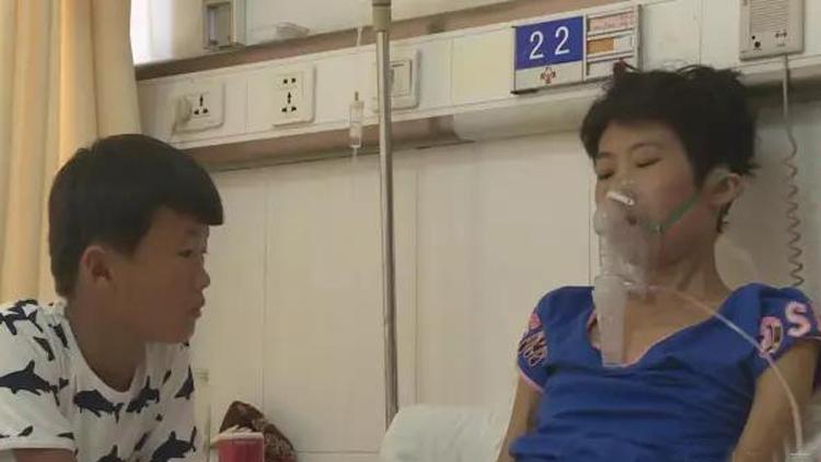 菏泽8岁男孩卖洋葱救母,收到捐款被提醒微信账号异常