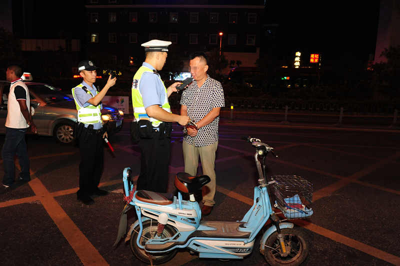 醉酒驾驶电动车驶上快车道 济南男子涉嫌危险驾驶被处罚