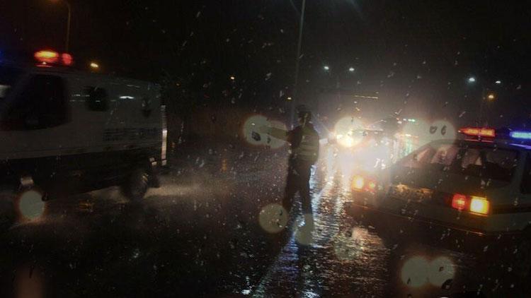36秒丨孕妇临产遭遇雨夜+晚高峰 交警一路喊话开道送医