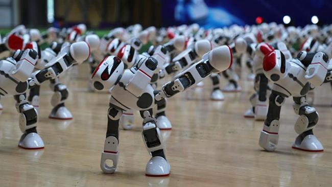 91秒丨德州108个机器人舞出《霍元甲》,一次看不够!