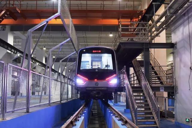 开跑!青岛地铁2号线东段开始空载试运行