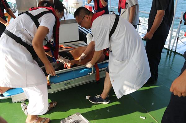 危险!绞缆机绞断船员右臂 海警火速转移救援