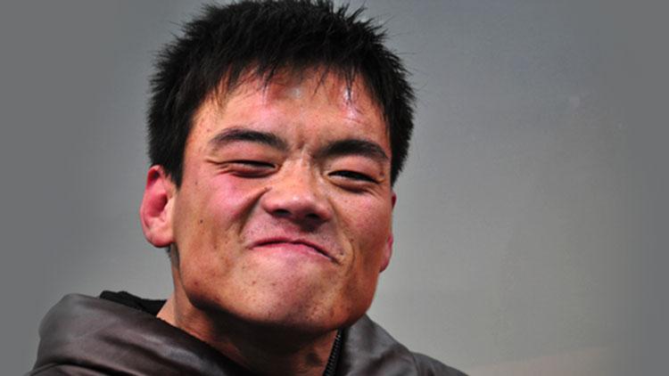 """他曾行乞助人被称""""零钱哥"""" 济南求助遭疑""""消费爱心"""""""