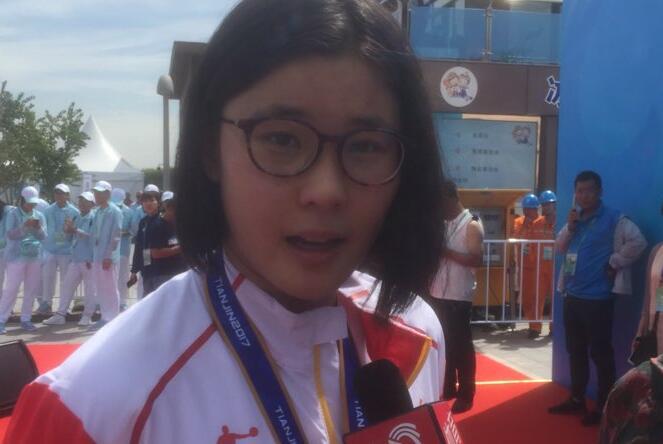 全运会女子马拉松游泳比赛 山东选手辛鑫成功卫冕