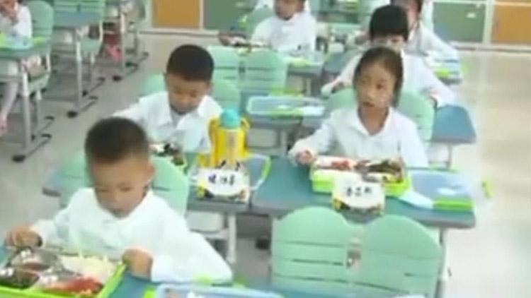 济南教育局长:新校配建老校改扩建食堂,保证孩子吃好午饭