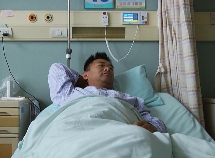 31岁父亲罹患重症与病魔抗战8年 三胞胎子女欲捐肾救父