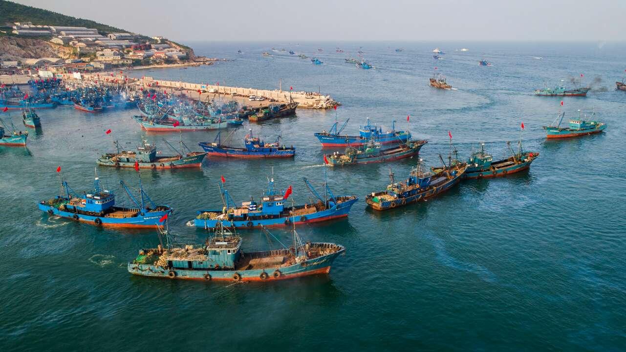 出海喽!史上最长休渔期结束 千帆竞发场面壮观