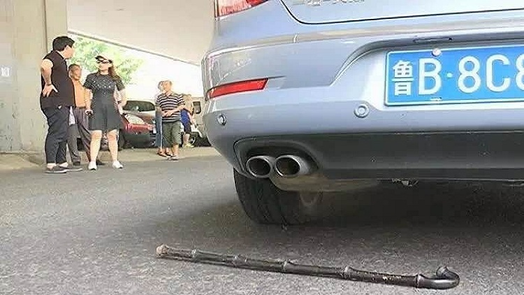 39秒丨青岛一百岁老人过马路被撞身亡 竟是因为礼让惹祸……