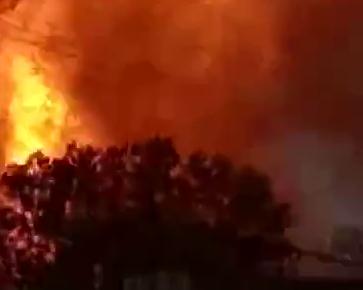 菏泽郓城一液化气站罐车爆燃 1人轻度烧伤